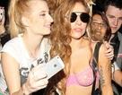 Lady Gaga diện áo lót ra phố