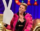 Miley Cyrus tiếp tục hành động gây sốc phản cảm