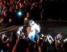 Clip: Beyoncé gặp fan cuồng