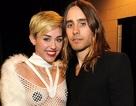 """""""Gã Đông-Gioăng"""" Jared Leto đang tán tỉnh Miley Cyrus"""