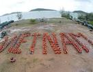 """900 sinh viên xếp chữ """"Tự hào biển đảo Việt Nam"""" trên đảo Phú Quốc"""