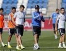 """Túng """"quân"""", Real Madrid tính cho Bale đá hậu vệ"""