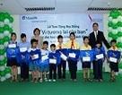 Manulife Việt Nam tặng học bổng tới HS có hoàn cảnh khó khăn tại TPHCM
