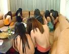 """Hà Nội: Chụp ảnh gái bán dâm khỏa thân, tung lên mạng để """"chào hàng"""""""