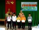 Trao 150 suất học bổng đến học sinh vùng bão Chan Chu