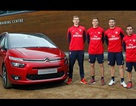 Arsenal quảng cáo cho Citroen Grand C4 Picasso