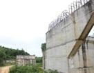"""Tỉnh nghèo xây hàng chục cầu dở dang rồi… """"đắp chiếu"""""""