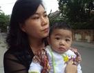 Làm thủ tục đưa cháu bé 7 tháng tuổi bị bỏ rơi vào trại trẻ mồ côi