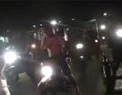 Gần 300 xe mô-tô chiếu đèn giúp máy bay cất cánh khẩn cấp