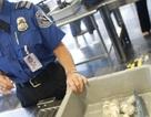 Du khách để lại sân bay ở Mỹ gần... 14 tỷ đồng tiền xu