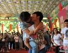 """Muôn vàn kiểu """"khóa môi"""" trong cuộc thi hôn ở Trung Quốc"""