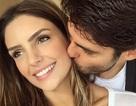 Kaka và vợ hôn nhau hạnh phúc trong ngày tái hợp