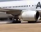Máy bay nổ lốp khi hạ cánh, 200 hành khách suýt chết