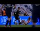 Bị đốn ngã trong vòng cấm, C.Ronaldo ăn thẻ oan ức