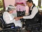 Cảm động chuyện tình cặp đôi yêu và cưới nhau trong bệnh viện
