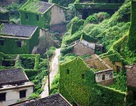 """Ngỡ ngàng ngôi làng bỏ hoang biến thành """"hòn ngọc xanh"""""""