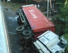 Xe container rớt khỏi cầu vượt ở độ cao 12m