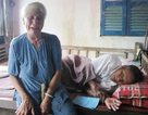 Nước mắt mẹ già với con trai là bộ đội phục viên đang cảnh nguy kịch