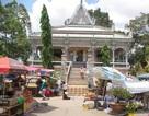 Tái diễn cảnh buôn bán bát nháo tại chùa Chén Kiểu