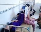 Nghi ngộ độc thực phẩm, cả trăm công nhân nhập viện