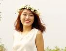 Nữ sinh Hà Nội lãng mạn bên cúc họa mi