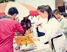 Sinh viên Việt – Hàn dạy nhau làm bánh tteok, bánh chay