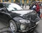 Hà Nội: Camry đâm liên tiếp 3 xe máy, tông thẳng 1 ô tô khác