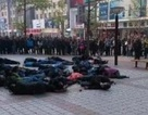 Trung Quốc: 30 tài xế taxi uống thuốc sâu tập thể trên phố