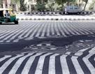 Cận cảnh nắng nóng nung chảy mặt đường nhựa ở Ấn Độ
