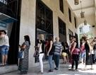 Sợ ngân hàng đóng cửa, người Hy Lạp đổ xô rút tiền