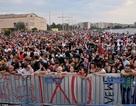 """Hy Lạp: Biểu tình lớn dẫn tới bạo động trước trưng cầu dân ý """"định mệnh"""""""