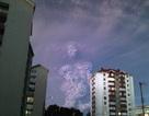 Kỳ lạ đám mây mang hình người khổng lồ xuất hiện trên nền trời Chile