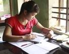 Đỗ 2 trường, nữ sinh mồ côi lo không có tiền nhập học