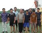 9 thuyền viên gặp nạn trên biển đã cập bờ an toàn