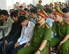 Cướp sòng bầu cua, nhóm trai làng chia nhau 20 năm tù