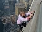 """""""Người nhện"""" tay không chinh phục tòa nhà độ cao 288 mét"""