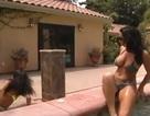 """""""Người đẹp bikini ngã đau ở bể bơi"""" là clip nổi bật Internet tuần qua"""