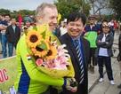 Đại sứ Mỹ tới Huế sau hành trình đạp xe dài 843km