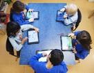 Anh: Nên đầu tư tiền vào giáo viên hay iPad?
