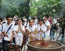 Thanh thiếu niên kiều bào xúc động dâng hương tưởng nhớ các vua Hùng