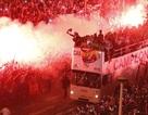 """Thành Madrid """"rực cháy"""" chào đón những người hùng"""