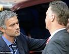 Mourinho chúc mừng Van Gaal nhận chức tại MU