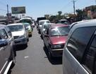 Kẹt xe nghiêm trọng trên quốc lộ 1A