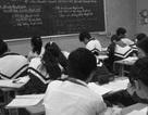 Học sinh quay lưng với văn chương