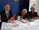 Giáo sư Việt Nam được vinh danh tại Pháp