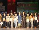Quảng Ngãi: Trao 627 suất học bổng khuyến học đến sinh viên Giỏi, Khá