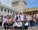 Giáo dục kiểu Nhật: Học sinh tự nấu ăn bán trú, trường không thuê lao công