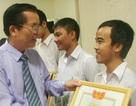 Đại học Huế khen thưởng sinh viên đỗ thủ khoa
