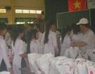 Bạn đọc Dân trí tặng học sinh nghèo hơn 200 bộ đồng phục
