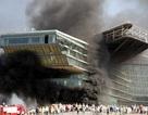 Cháy lớn tại khách sạn 5 sao sau Trung tâm hội nghị Quốc gia